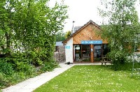 Newtonmore_Hostel_summer-Newtonmore, scottish highlands, monarch of the glen, highland accommodation, aviemore, cairngorm national park, scottish holiday