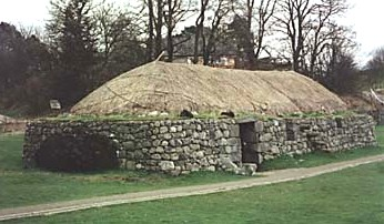 Highland_Folk_Museum_2_-_Blackhouse